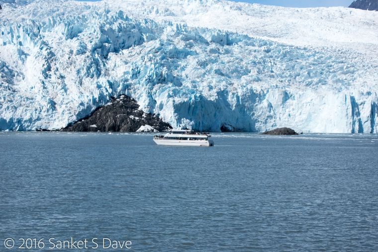 GlacierAndBoat
